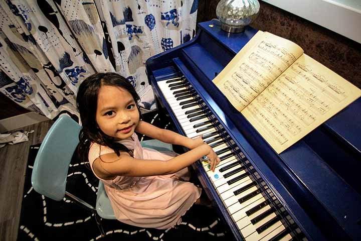 Asian Girl Piano.jpg