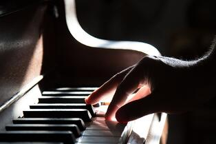 Playing the Piano on How Music Reduces Stress